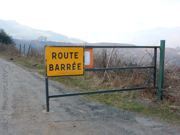 Road Closed, sign between SJPP and Roncesvalles  - Santiago in Love - CC BY-SA-NC